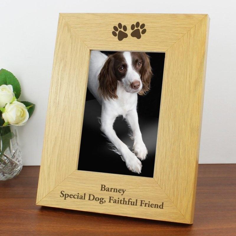 Personalised Oak Finish 4x6 Paw Prints Photo Frame