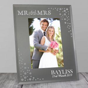 Mr and Mrs 6x4 Diamante Glass Photo Frame
